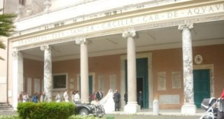 basilica-santa-cecilia-in-trastevere-roma-noleggio-auto-matrimonio (16)