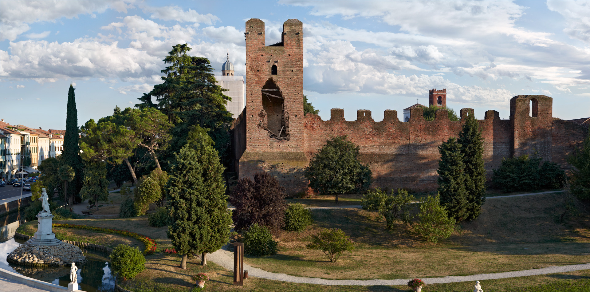 castelfranco veneto single guys Read the opinions and reviews left by guests at cà amedeo.