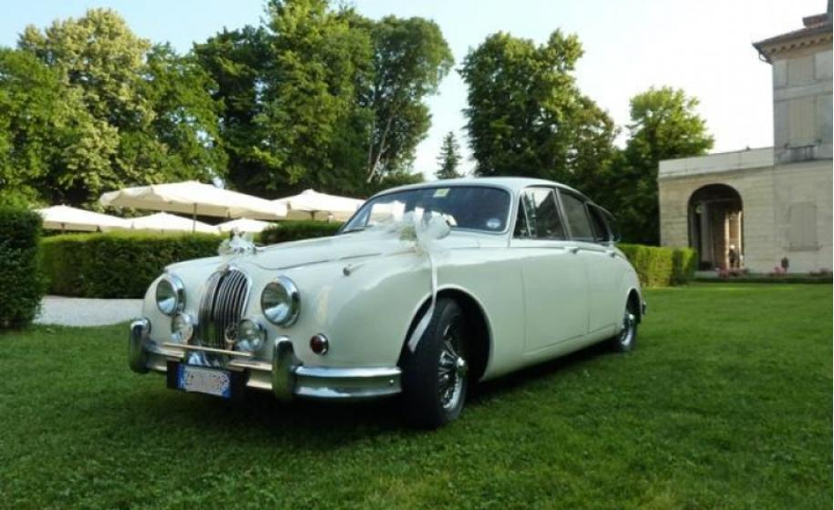noleggio-auto- classica-jaguar-mk2_classic-car-hire-jaguar-mk2_preview