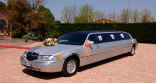 noleggio-limousine-lincoln-town-car_limousine-hire-lincoln-town-car_preview