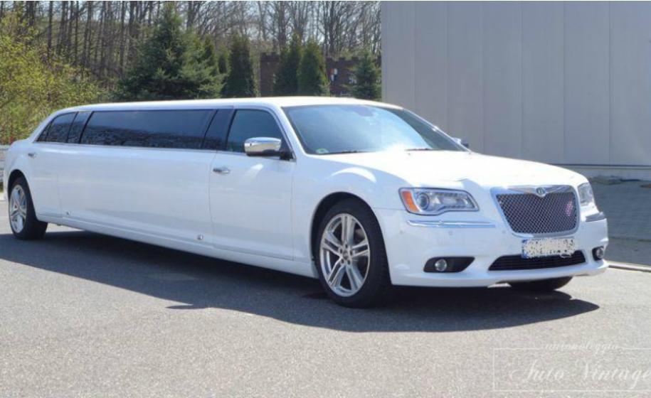 noleggio-limousine-new-chrysler-starlight_limousine-hire-new-chrysler-starlight_anteprima